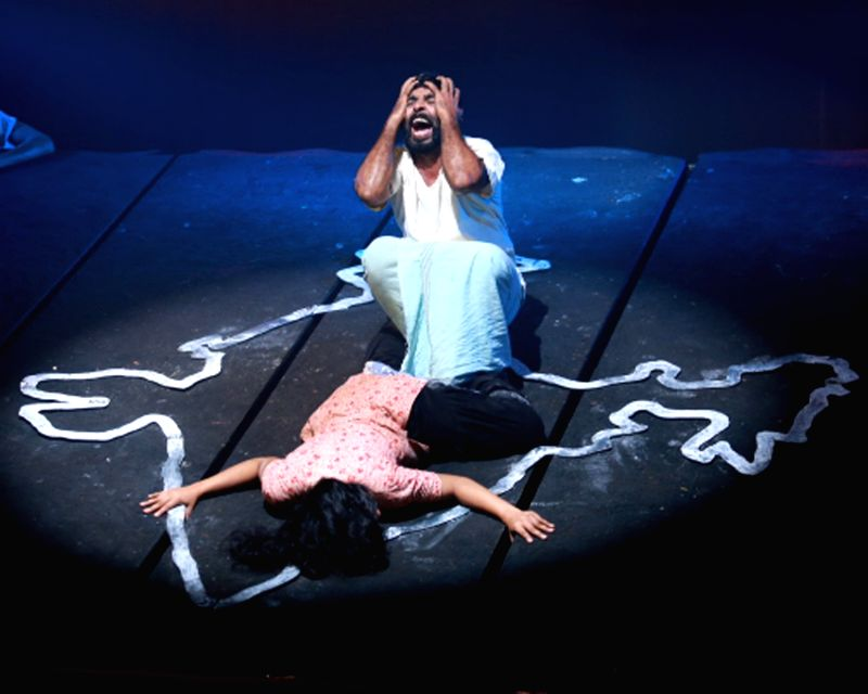 In the two hour long Nona, a bunch of amateurs from rural India collaborate to assert their right to voice opinions through the power of theatre while exploring contemporary social issues.