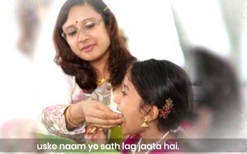 #IndiaForMothers supports Vikas Khanna's #FeedIndia on Mother's Day