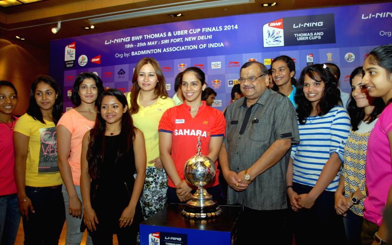 Indian badminton player Saina Nehwal with BAI President Akhilesh Das Gupta  and others during announcement of Li-Ning BWF Thomas and Uber cup finals -2014 in New Delhi on May 14, 2014. - Akhilesh Das Gupta