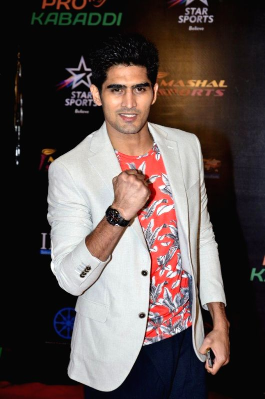 Indian boxer Vijender Singh during the finals of the Pro Kabaddi League between Jaipur Pink Panthers and U Mumba in Mumbai on August 31, 2014. - Vijender Singh