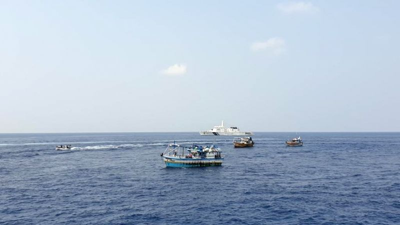 Indian Coast Guard swooped on a Sri Lankan boat and seized narcotics worth Rs.3000-crore & 5 AK-47s in an operation in Arabian Sea off Minicoy Isles.