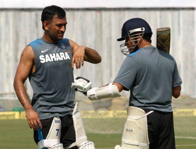 Indian Cricketers Sachin Tendulkar and Mahendra Singh Dhoni