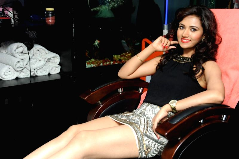 Indian model Preeti Rana during the photo shoot in Mumbai June 16, 2014.