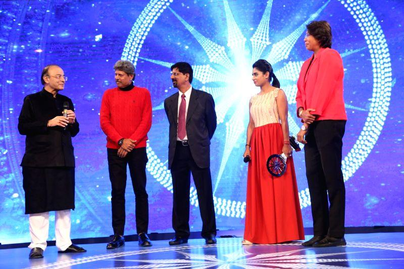 CNN-News18 Indian of the Year - Special Achievement - Indian Women's Cricket Team - Mithali Raj, Jhulan Goswami, Arun Jaitley and Kapil Dev