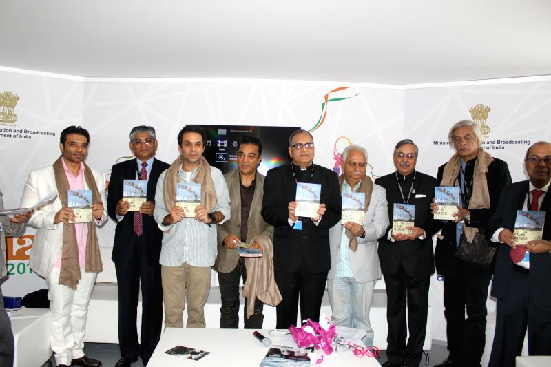 Information and Broadcasting Secretary Bimal Julka with actors Uday Chopra, Kamal Haasan and filmmakers Sudhir Mishra and Ramesh Sippy during release of India Film Guide at the Inaugural Function of . - Uday Chopra, Kamal Haasan and Sudhir Mishra