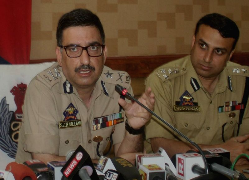 Inspector General of Jammu and Kashmir Police (Kashmir range) Syed Javaid Mujtaba Gilani addresses a press conference in Srinagar on May 8, 2017.