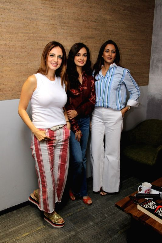 Interior designer Sussanne Khan, actress Dia Mirza and model Gayatri Oberoi at Facebook office  for actress Sonali Bendre book club in Mumbai on Aug 8, 2018. - Dia Mirza and Sussanne Khan