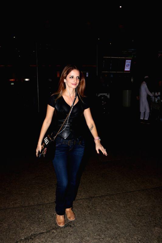 Sussanne Khan seen at airport - Sussanne Khan