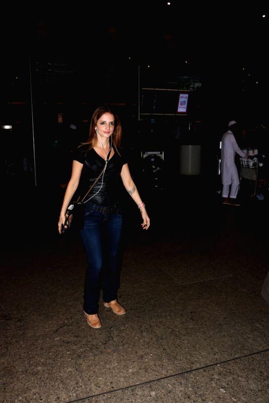 Interior designer Sussanne Khan at Chhatrapati Shivaji Maharaj International airport in Mumbai. - Sussanne Khan