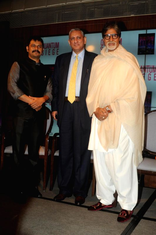 IPS officer and author Brijesh Singh, Mumbai Police Commissioner Rakesh Maria and actor Amithabh Bachchan during the book launch of Brijesh Singh's new book Quantam Siege in Mumbai on June 21, 2014. - Amithabh Bachchan and Brijesh Singh