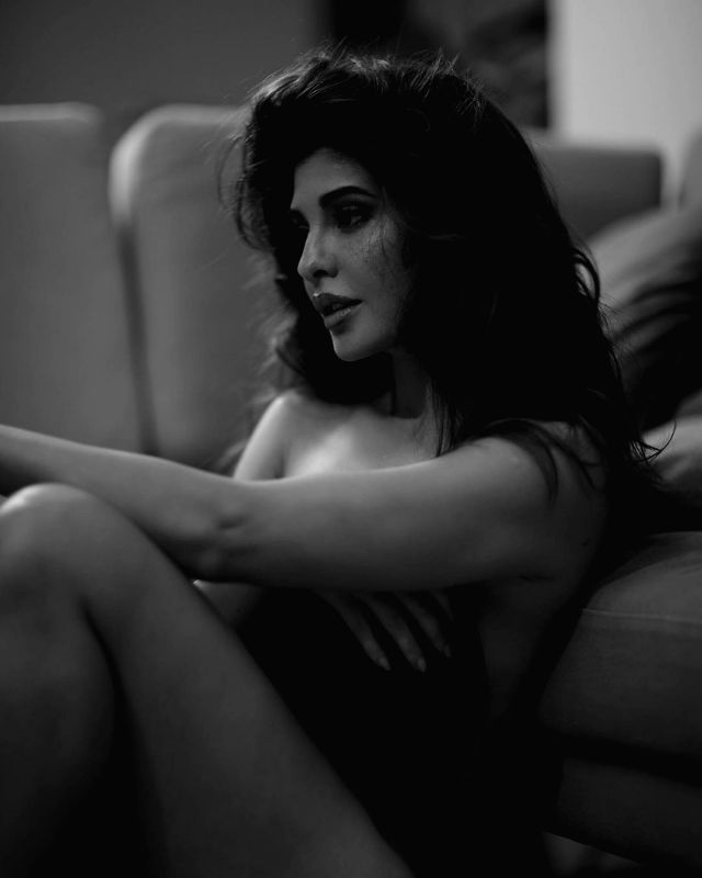 Jacqueline Fernandez strikes a Thundering Tuesday pose for fans.