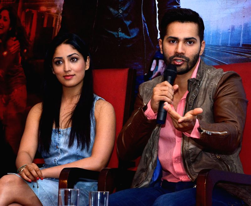 Actors Varun Dhawan and Yami Gautam during a press conference to promote their upcoming film `Badlapur` in Jaipur, on Feb 9, 2015. - Varun Dhawan and Yami Gautam