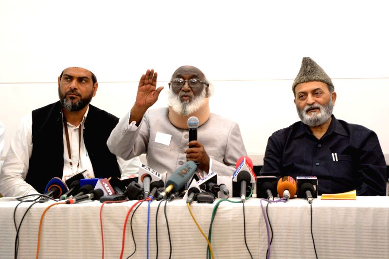 All India Muslim Personal Law Board's Assistant General Secretary Abdul Rahim Qureshi addressing a press conference in Jaipur on mARCH 22, 2015, after concluding three-day national conference ...