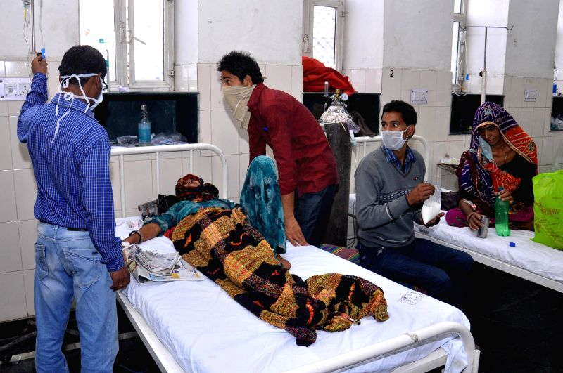 Swine flu patients being treated at a Jaipur hospital on Feb 18, 2015. ​