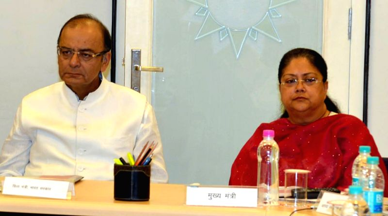 Union Minister for Finance, Corporate Affairs, and Information and Broadcasting Arun Jaitley with Rajasthan Chief Minister Vasundhara Raje during a meeting in Jaipur, on March 29, 2015. - Vasundhara Raje