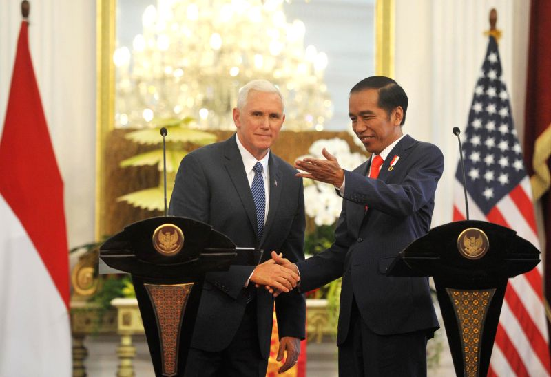 JAKARTA, April 20, 2017 - Indonesian President Joko Widodo (R) shakes hands with U.S. Vice President Mike Pence after a joint press conference at the Merdeka Palace in Jakarta, Indonesia, April 20, ...