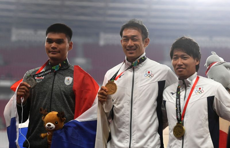 JAKARTA, Aug. 27, 2018 - Gold medalist Ushiro Keisuke (C) of Japan attends the awarding ceremony of men's decathlon of athletics at the Asian Games 2018 in Jakarta, Indonesia on Aug. 27, 2018.