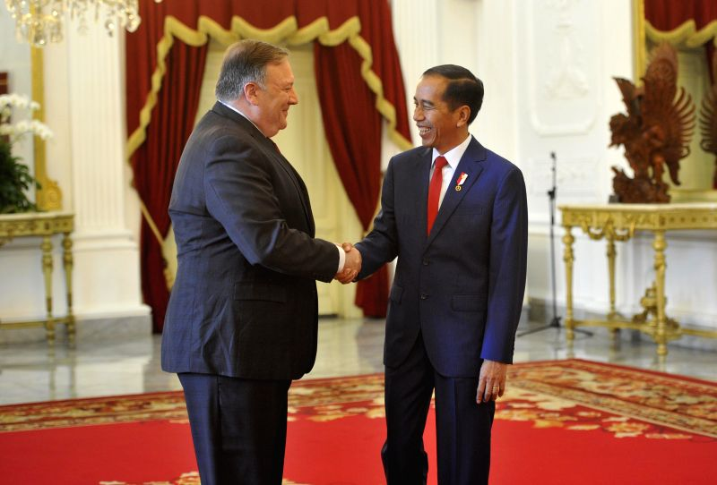 JAKARTA, Aug. 5, 2018 - Indonesian President Joko Widodo (R) meets with U.S. Secretary of State Mike Pompeo at the Presidential Palace in Jakarta Aug. 5, 2018.