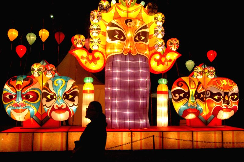 People visit the Lantern Festival 2014 in Jakarta, Indonesia, Dec. 12, 2014. More than 2000 lanterns were displayed on Jakarta Lantern Festival which held from Dec.