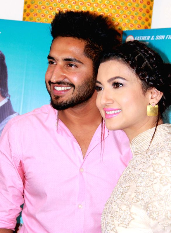Jalandhar: Actors Gauhar Khan and Jassi GIll during a press conference ...
