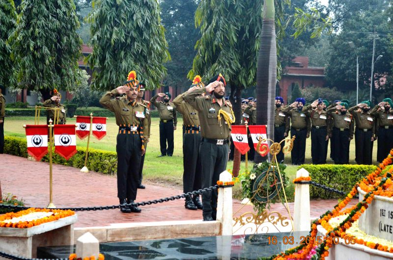 General Officer Commanding of the Vajra Corps., Lieutenant General Narinder Pal Singh Hira pays tribute to the war heroes of World War I in Jalandhar, Punjab on March 16, 2015.