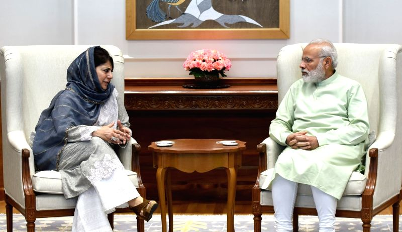 Jammu and Kashmir Chief Minister Mehbooba Mufti calls on Prime Minister Narendra Modi, in New Delhi on April 24, 2017. - Mehbooba Mufti and Narendra Modi