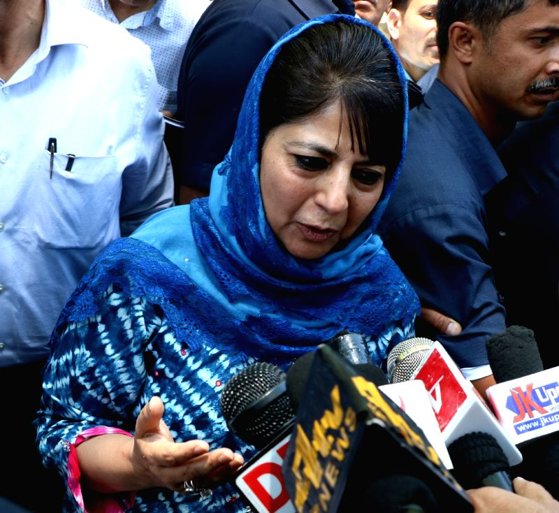 Jammu and Kashmir Chief Minister Mehbooba Mufti visits Kheer Bhawani temple at Tulla Mulla in Jammu and Kashmir's Ganderbal district  on June 2, 2017. - Mehbooba Mufti