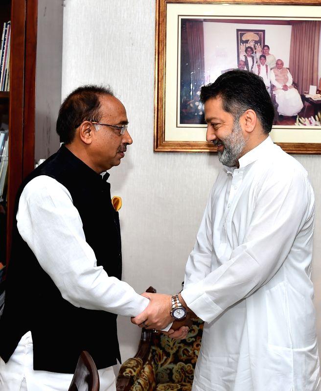 Jammu and Kashmir's sports minister Imran Raza Ansari calls on Union Sports Minister Vijay Goel in New Delhi on June 8, 2017. - Imran Raza Ansari