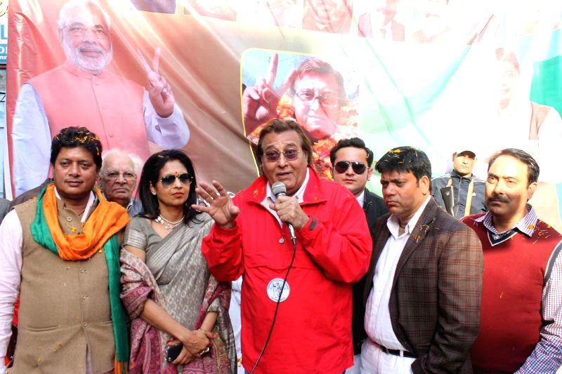 BJP MP Vinod Khanna during an election rally in Jammu on Dec 9, 2014.