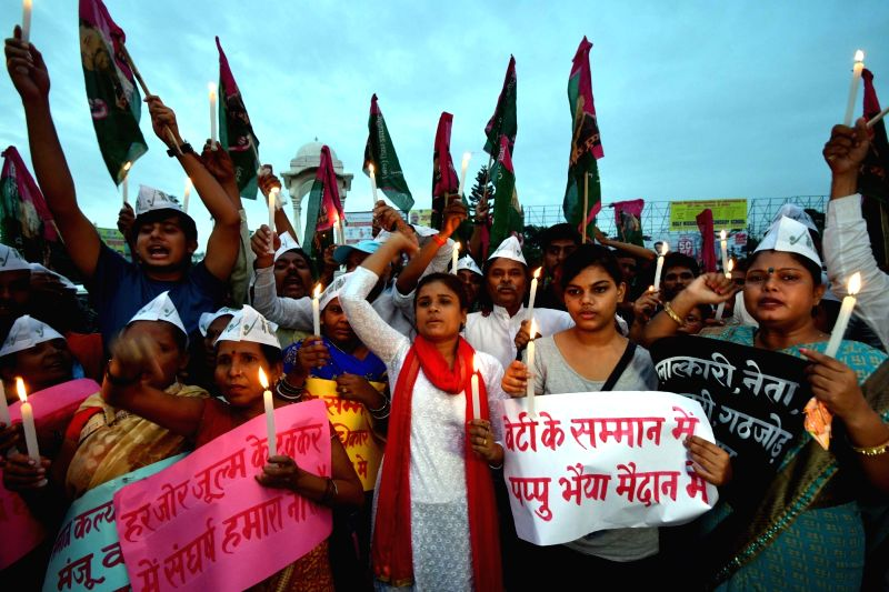 Jan Adhikar Party workers stage a demonstration against Muzaffarpur shelter home rapes in Patna, on Aug 5, 2018.