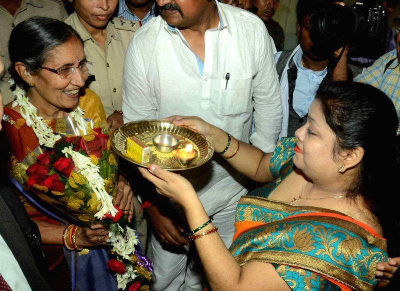 Jashodaben Modi, wife of Prime Minister Narendra Modi being welcomed at a Patna Hotel on April 22, 2017. - Narendra Modi and Jashodaben Modi