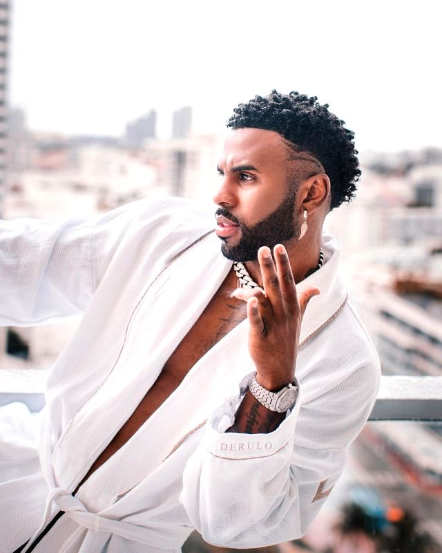 Jason Derulo feels happy to share his wealth
