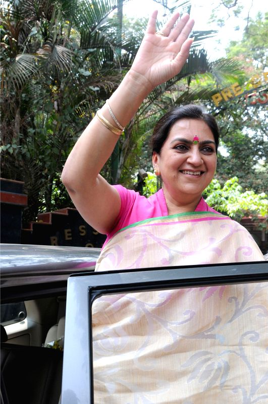 JD(S) for 2014 Lok Sabha Election from Bangalore  Central, Nandini Alva leaves after addressing a press conference in Bangalore on April 15, 2014.