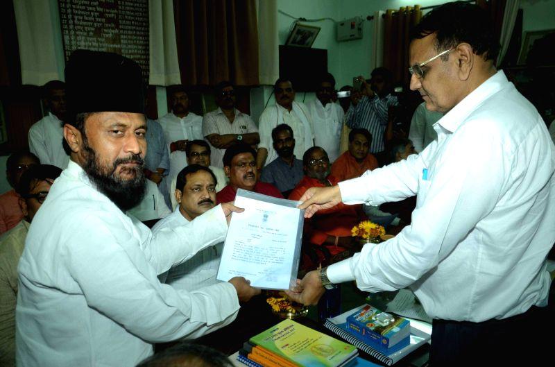 JD-U leader Ghulam Rasool Balyavi who has been elected unopposed to Rajya Sabha in Patna, on June 3, 2016.