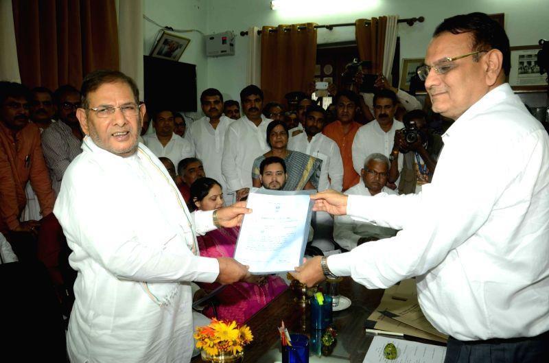 JD-U leader Sharad Yadav who has been elected unopposed to Rajya Sabha in Patna, on June 3, 2016. - Sharad Yadav