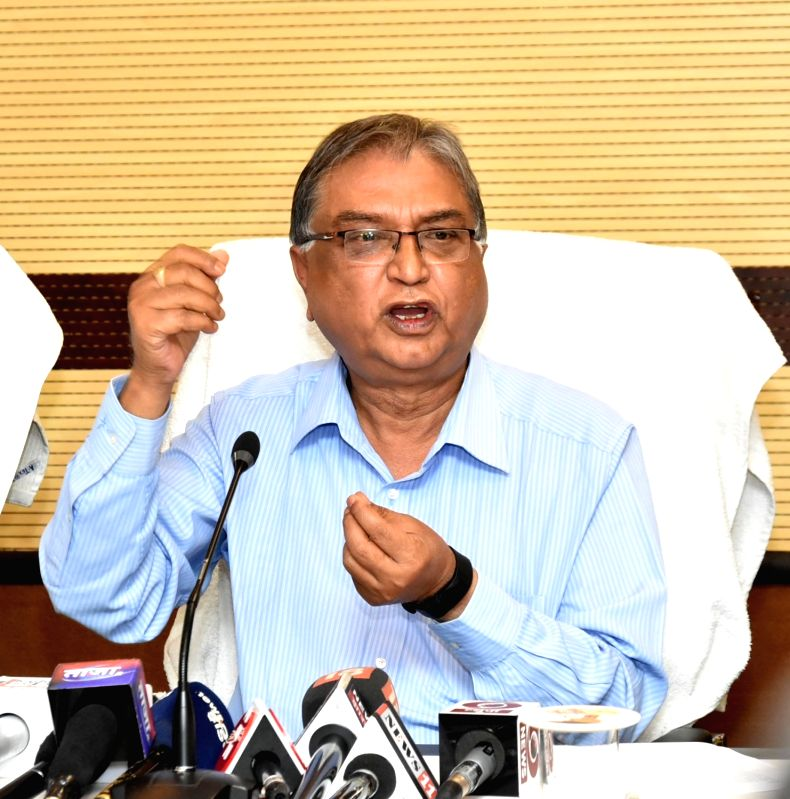 Jharkhand Health Department Director in-chief Dr Sumant Mishra addresses a press conference regarding deaths of four infants in state's Palamau district, at Soochna Bhawan in Ranchi on April ... - Sumant Mishra