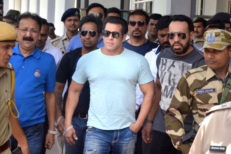 Jodhpur: Actor Salman Khan arrives at Jodhpur airport on May 6, 2018. He is scheduled to appear before a Jodhpur court in blackbuck poaching case on Monday.