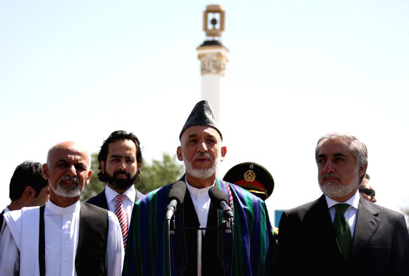 Afghan President Hamid Karzai (C) speaks at the celebration of Afghan Independence Day in Kabul, Afghanistan, Aug. 19, 2014. Afghanistan marked the 95th anniversary ..