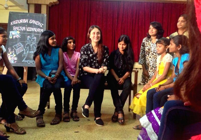 Kareena Kapoor Khan celebrates Eid ul Fitr with children from NGO Jalna on behalf of Unicef on July 29, 2014.