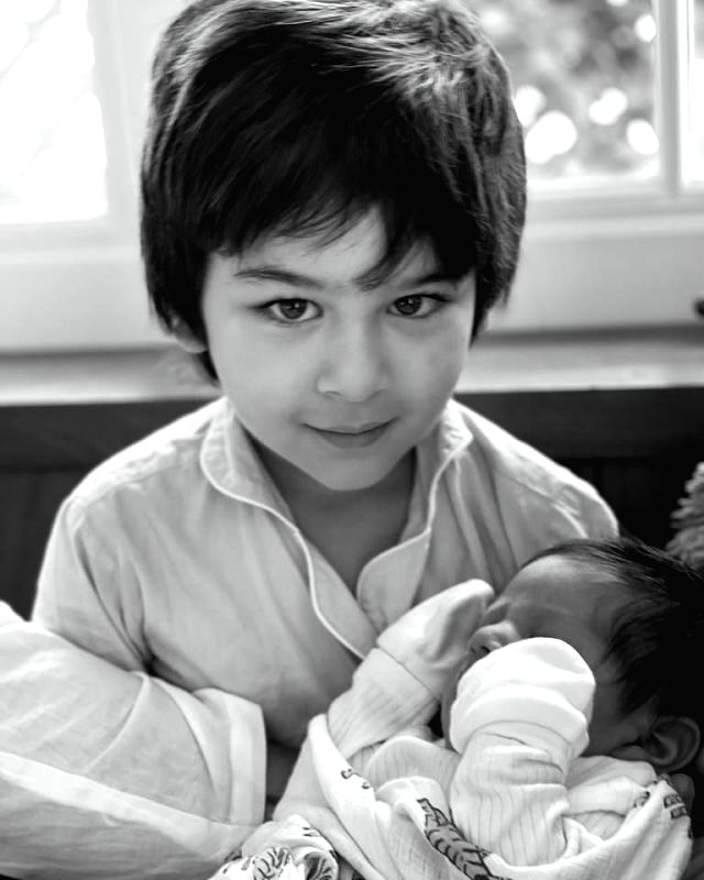 Kareena shares Taimur's picture with baby brother on Mother's Day.(Photo;Instagram)