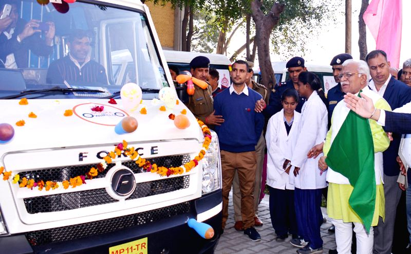 Haryana Chief Minister Manohar Lal Khattar flags-off a science lab van in Karnal, Haryana on Feb 6, 2015. - Manohar Lal Khattar