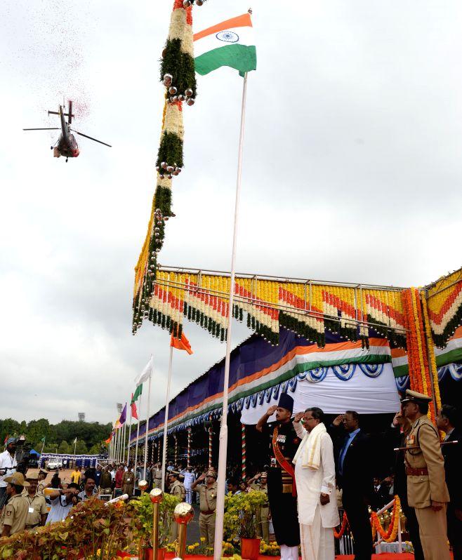 Karnataka Chief Minister Siddaramaiah during Independence Day celebrations at Manekshaw Parade Grounds in Bangalore on Aug 15, 2014.
