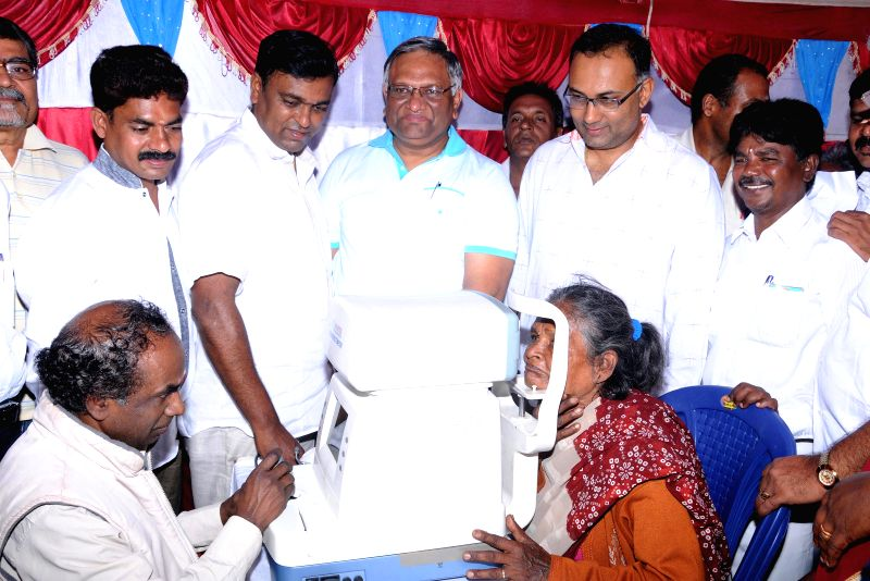 Karnataka Food and Civil Supplies Minister Dinesh Gundu Rao inaugurates a free eye check-up camp for poor at Kino Theatre premises in Bangalore on Aug 24, 2014. - Dinesh Gundu Rao