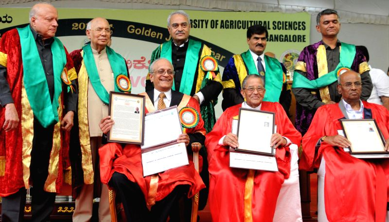 Karnataka Governor H.R Bharadwaj with Dr K Narayan Gowda, Vice Chancellor, University of Agricultural Sciences; Dr Sonny Ramaswamy,  MV Rajashekharan and Dr C Kempanna during the 48th Convocation of .
