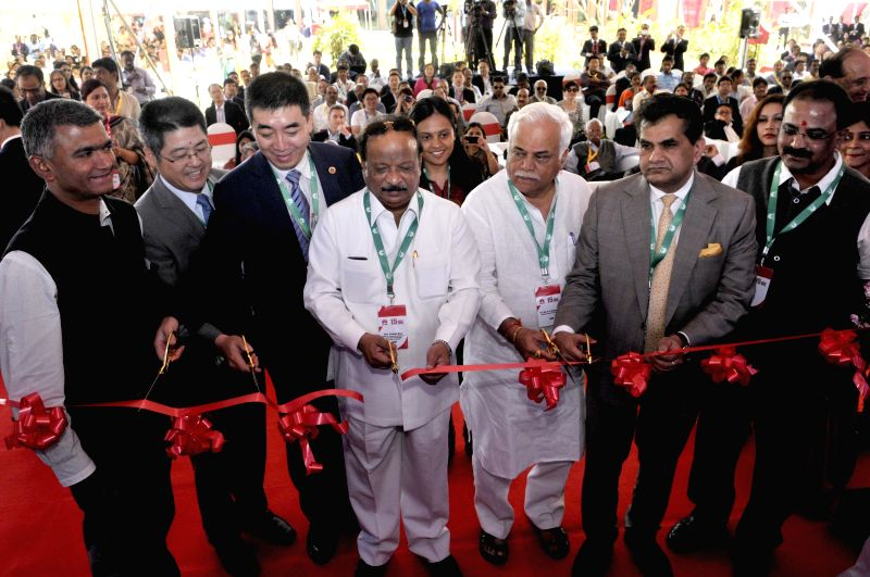 Karnataka Ministers Krishna Byre Gowda, Roshan Baig and others with Chinese Ambassador to India Le Yucheng and Vice President of Huawei Technologies Zhou Yupeng at the inauguration of Huawei's ... - Krishna Byre Gowda and Roshan Baig