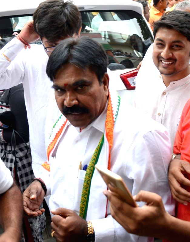 Karnataka Praja Janata Paksha leader R Shankar talks to press at Congress office in Bengaluru on May 16, 2018.