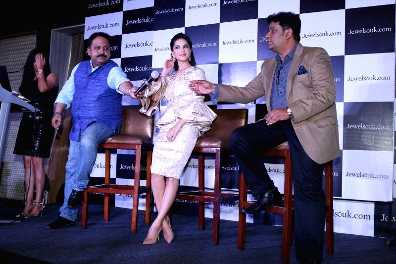 Sunny Leone endorses JewelSouk - Sunny Leone and Kaushik Mukherjee