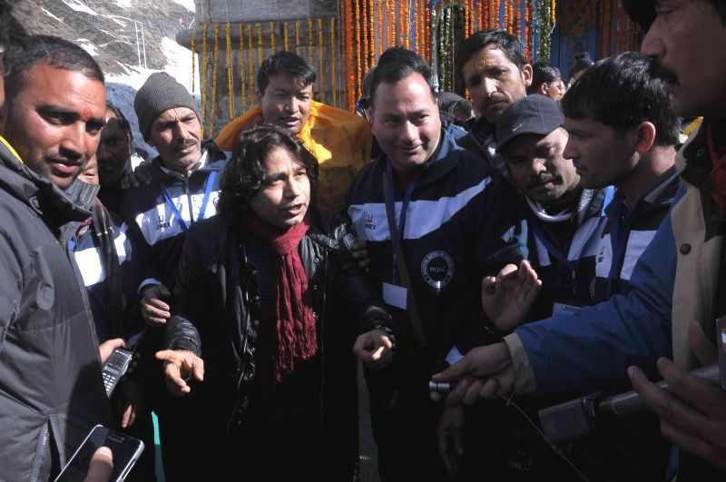 Singer Kailash Kher visits Kedarnath temple in Kedarnath, Uttarakhand on 24 April 2015.