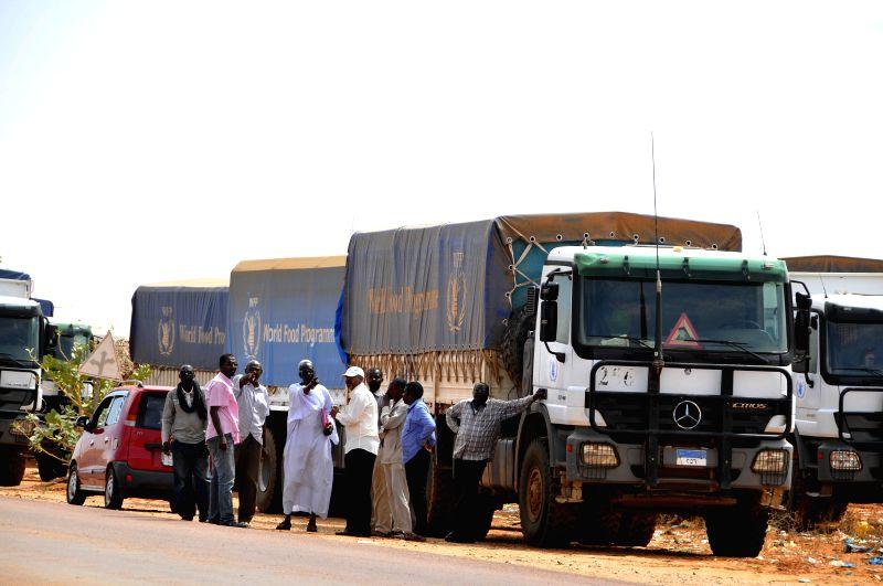 KHARTOUM, May 20, 2017 - Convoys carrying food materials are seen through the humanitarian corridor from Sudan's El Obied to Bentiu in Bahr el Ghazal State of South Soudan, May 19, 2017. The ...