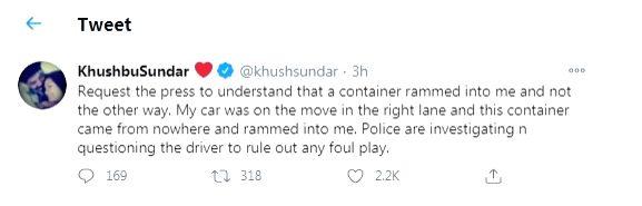 Khushbu Sundar meets with an accident, unhurt.